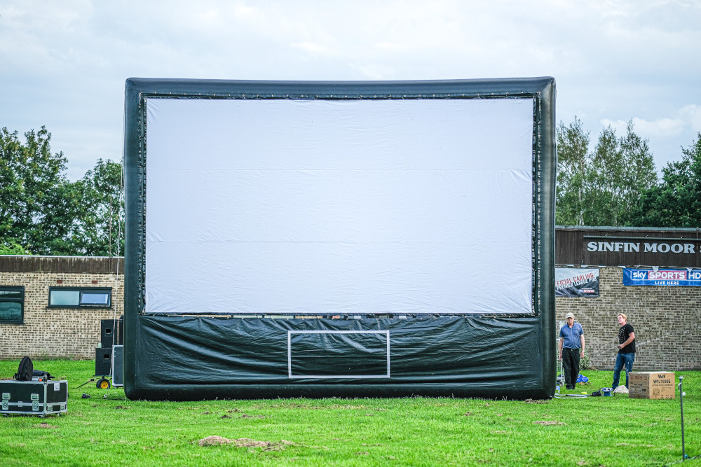 Large Outdoor Screen